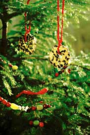 a - Outdoor Christmas Tree Decorations For Birds